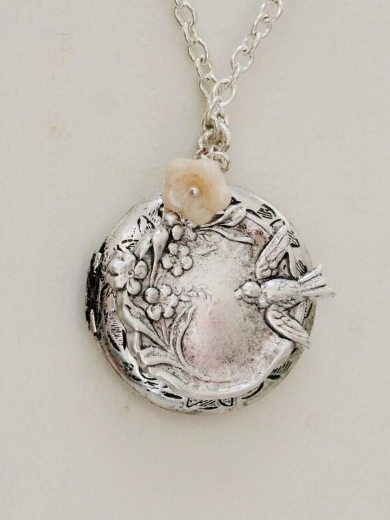 Silver Bird and Flower Locket,Locket,Leaf,Flower,Antique Locket,Filigree Leaf,Locket Necklace,Wedding Necklace