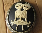 Conjoined Twin Cameo Locket