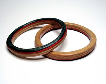 skateboard bangle- black and red- small