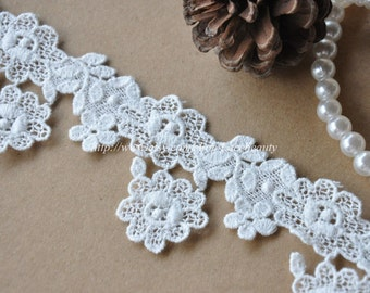 Exquisite Off White Cotton Venice lace Flower Embroideried Lace Trim 1.8 Inches Wide 2 Yards