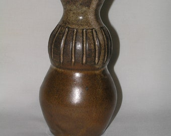 Ribbed stoneware vase