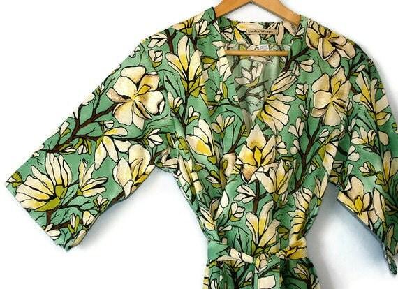 Modern Kimono.  Womens Kimono Robe.  Dressing Gown. Maternity Robe. Bridesmaids Robe. Sugar Magnolia. Knee Length. One Small or Medium left.