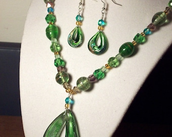 Poison Green  Art Glass Pendant necklace and earrings set