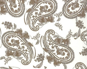 LAST ONE Fat Quarter of Windsor Lane Porcelain  Paisley by Bunny Hill for Moda