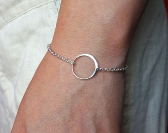 Circle Charm Bracelet in Sterling Silver, bridesmaid gift, wedding, simple, everyday, single circle,eternity