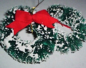 2 1950's Bottle Brush Christmas Trees and 2 Bottle Brush Christmas Wreaths.   X-010