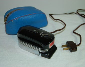 Vintage Smoothie Travel Iron Bakelite 1950s
