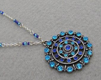 Sparkling Pendent Necklace