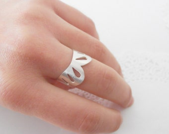 Simple Collar With Simple Lace - sterling silver ring
