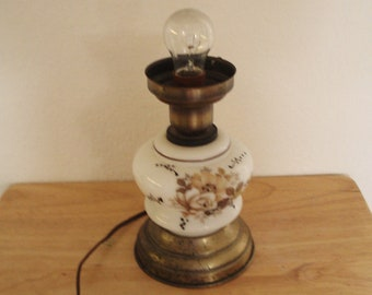 Hand Painted Milk Glass Night Table Lamp Light.