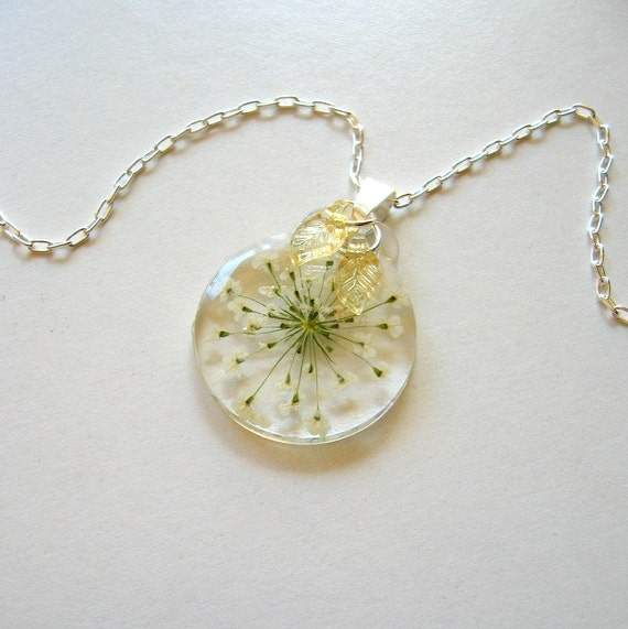 Queen Anne's Lace - Real Flower Enchanted Garden Necklace