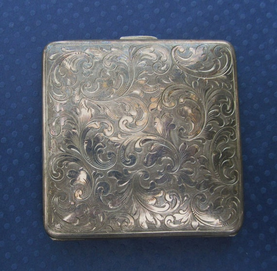 Vintage Silver Compact 28