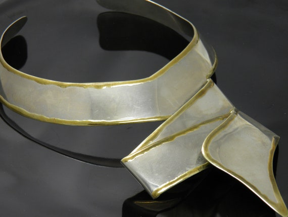 Vintage Hand Crafted Dramatic Silver Tone Necklace / Choker With Gold Edging