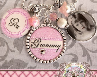Mom Grandma Nana Triple Pendant NECKLACE (or Key Chain), Photograph, Custom, Children's Names, Mother, Gift, Mimi, Wedding, Pink Damask