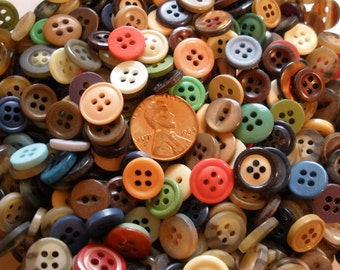 "Vintage Colorful Tiny Buttons -110 piece lots 8.5mm to 13mm (1/3"" - 1/2"") Altered Art sewing crafts Jewelry Scrapbook sew-on 4 hole doll"