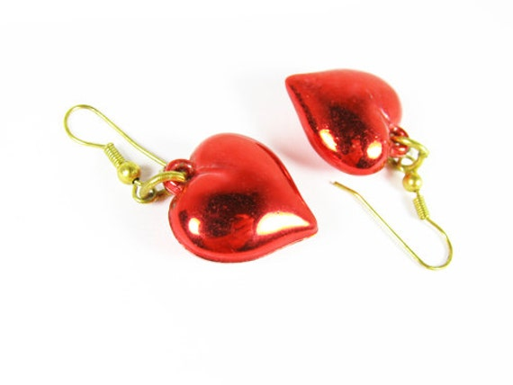 Vintage Valentines Red Heart Earrings - Boucles d'Oreilles. Vintage Jewelry by My Chouchou.