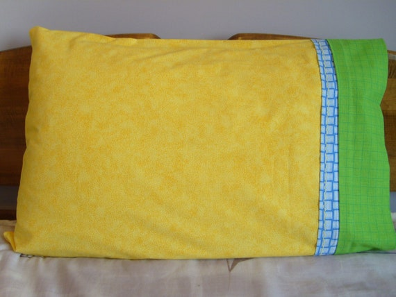 Yellow With Green Weave - Pillowcase, Standard, Pair