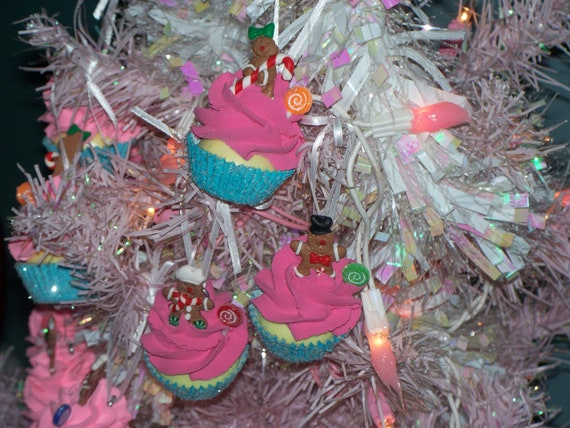 Items similar to Set Hot Pink Mini Cupcake Ornaments with ...