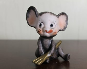 Vintage Mouse with Fork & Tongue Out (E521)