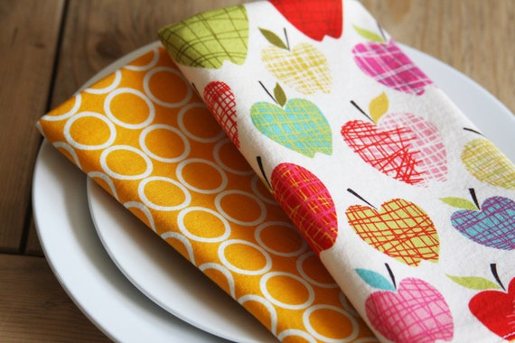 Cloth Napkins - Harvest Colored Apples with Yellow and White Circles - Back to School - Set of 2 Reversible Cloth