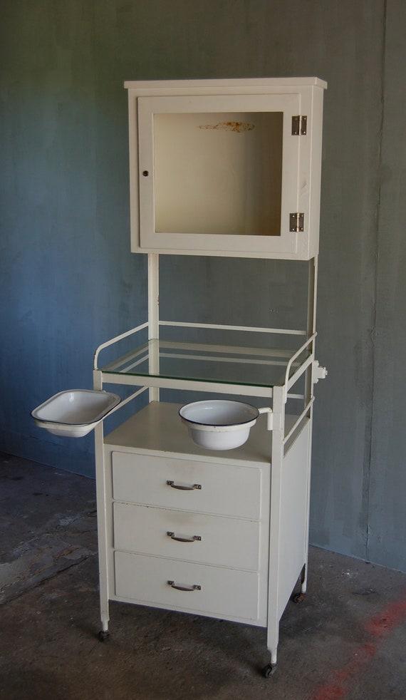 Vintage medical cabinet - Decoration cabinet medical ...