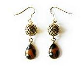 african queen - gold leopard print dangle earrings