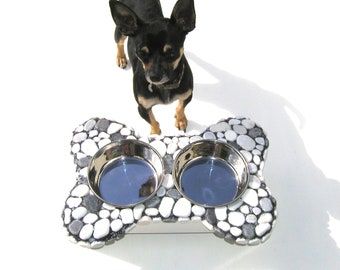A Day at the Beach Diner, small stone elevated dog feeder, messy eater feeder, raised dog bowls