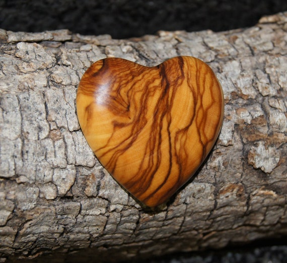 Heart brooch - olive wood