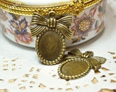 4PCS Antique Bronze Oval Bowknot Cameo Base /Pendant - 25x20mm( inner:14x10mm)- FB0068