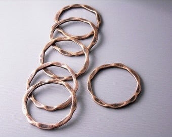 LINK-COPPER-22MMx18.5MM - Antique Copper Hammered Circle Connectors - 6 pcs