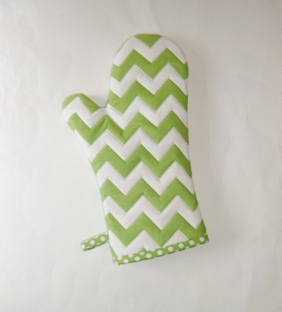 https://www.etsy.com/listing/111237163/oven-mitt-green-and-white-chevrons-st