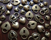 Hearts & Locks - 32 x Antique Bronze Hearts and Locks Vintage Brass Heart Locks to match Skeleton Keys Set