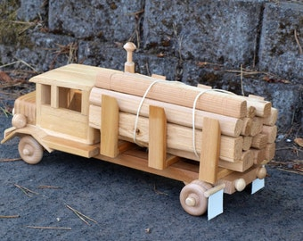 Eco-Friendly Wooden Logging Truck with Logs Wood Toy Car for Children Unpainted No Metal