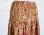 Maxi Skirt, Women's Teired Peasant / Prairie Size 6 Small Petite, Tan Red Floral Toile USA Made