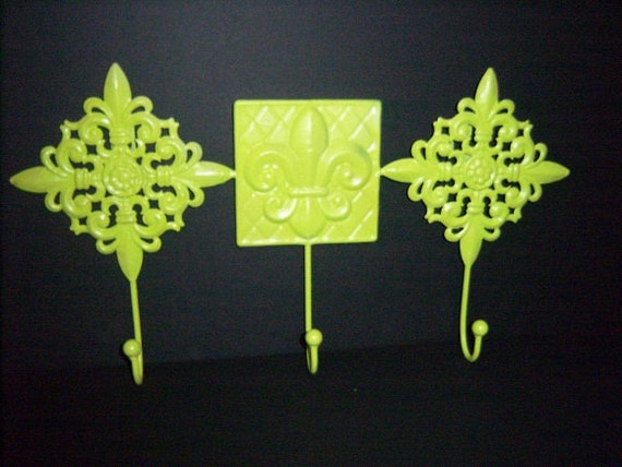 Lime Green Metal Wall Decor with 3 Hangers, Fleur De Lis Wall Plaque