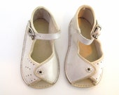 1940's White Leather Baby Sandals