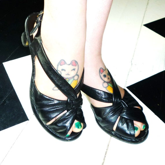 Vintage Black heels )( Jill of all Trades )( 70s does 40s Penaljo peep toe sling back sandles size 9