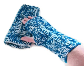 Chunky Fingerless Gloves, Wristwarmers  in Teal & Cream. Winter Warmers, ArmWarmers, Fashion Accessories,