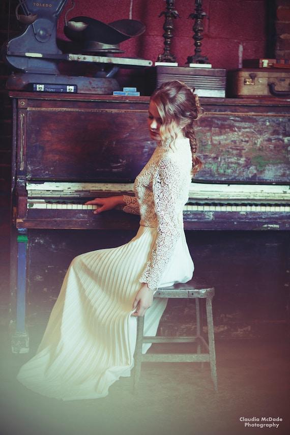 70's Sweet Carmela Floral Crocheted Pleated Wedding Dress.Size S/M