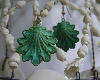 Antiqued Oyster Shell Earring