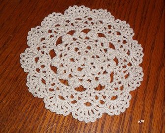Crocheted Ecru Doily (e04)