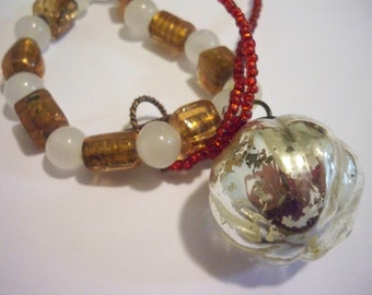 Festive Christmas Light Bulb Beaded Necklace - Silver, Gold, and Red