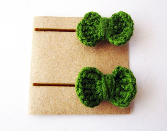 Crochet Hair Jewelry : Crochet hair bows, baby hair bows, hair bow bobby pins, crochet ...