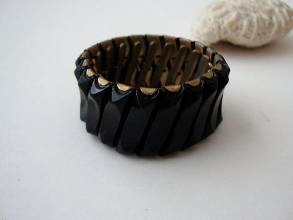 Vintage Expansion Bracelet : Finger Wave vintage gold tone with black expansion bracelet cuff