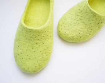 Felted summer color slippers. KIWI