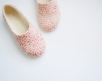 Felted woman slippers / house shoes. Red spots. Mothers day gift.
