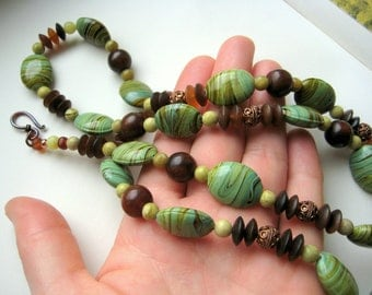 Green and brown necklace with copper beads - earthy jewelry - summer necklace