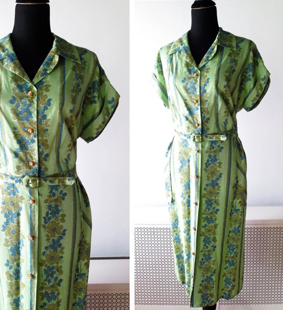 1950s Dress // Mint Green Floral 1950s Day Dress with Rhinestone Buttons // L-XL.