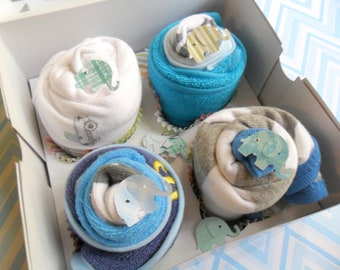 2 Bodysuits, 2 Bibs, 2 Wash Cloths and 2 Booties Baby Cupcake Gift Set