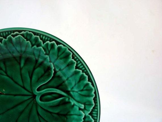 Wedgwood cabbage leaf plate, dark green majolica